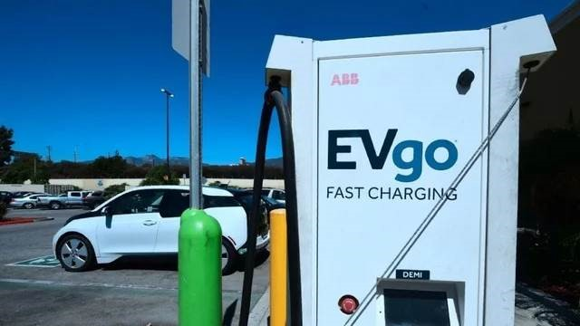 Environmentalists Should Lead the Charge Against Electric Vehicles
